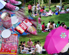 Singapore Gays Defy Govt, Enjoy Day In Park