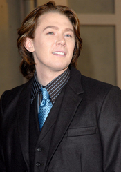 """Clay Aiken One Step Closer To """"Theater Fag"""" Status"""