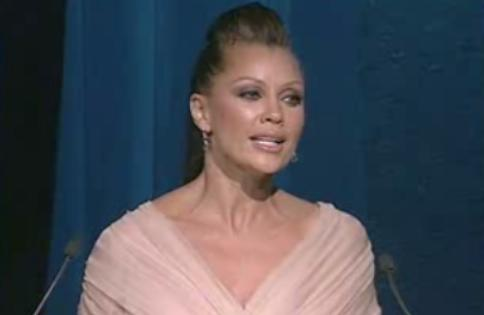 Vanessa Williams Talks And Talks About Gays