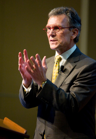 Tom Daschle to Be Secretary of Health and Human Services