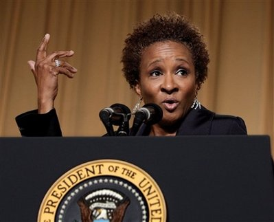 Wanda Sykes Times Announcement of Twins' Birth With Limbaugh Joke Backlash