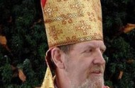 5 Anglican Bishops Ditch Gay-Accepting Church to Hide Under Pope's Robe