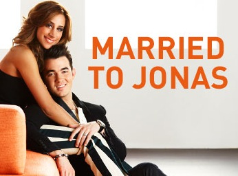 Totally-Not-Gay Kevin Jonas And Hairstylist Wife Star In New E! Series