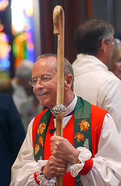 Gene Robinson: Openly Gay Bishop, Funnyman
