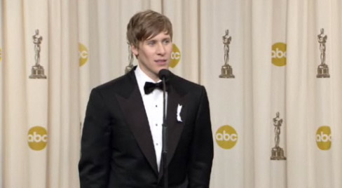 Oscar Backstage: Dustin Lance Black & Sean Penn Have a Message For Obama