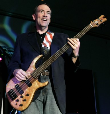 huckabee-on-bass