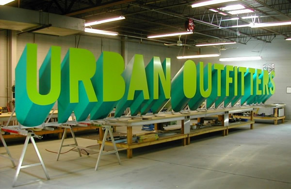 urban-outfitters-shop