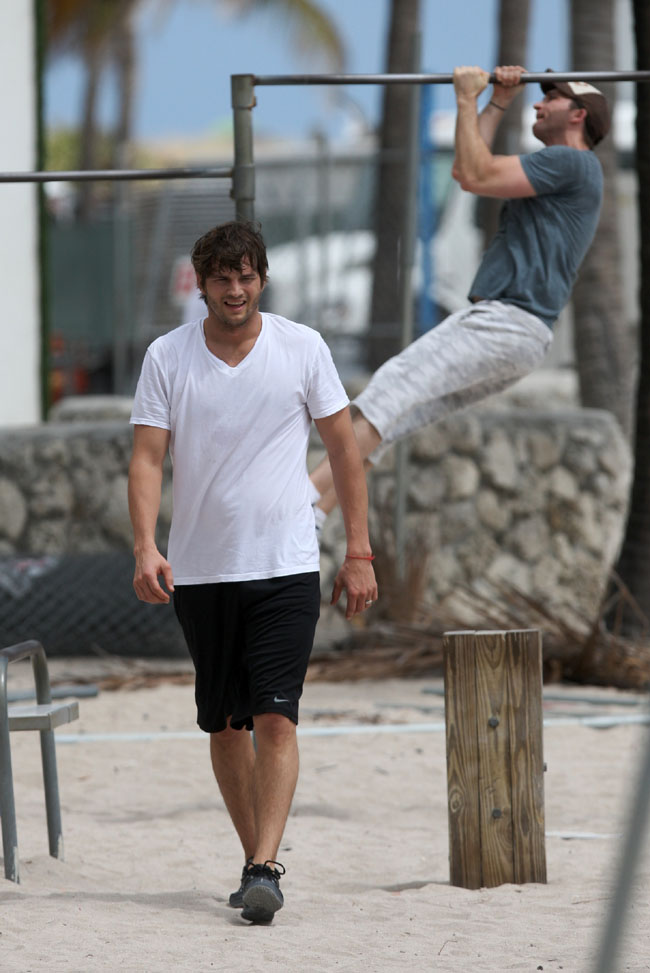 Ashton Kutcher works up a sweat in Miami