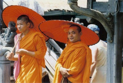 thai_monks_c
