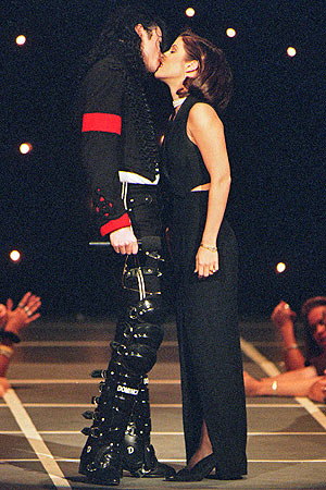 lisa-marie-and-michael-jackson1