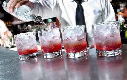 What Will Replace the Cosmo as the Must-Have Drink at China's Gay AIDS Bar?