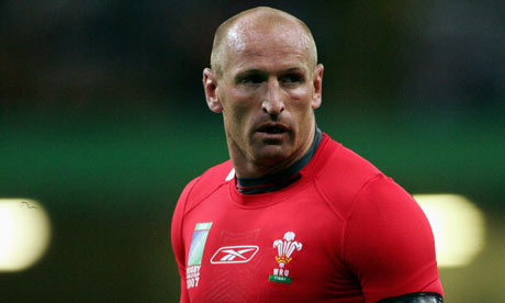 This Isn't Gareth Thomas' Sex Tape. But It Is Gareth Thomas Naked in the Lockerroom