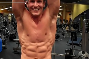 When Scott Herman Shows Off His Abs At the Gym, He's Technically 'Working Out'