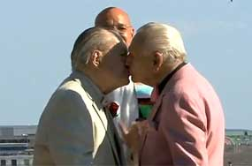Bob Davis + Henry Schalizki, the Octogenarians Who Just Got Married After 60 Years