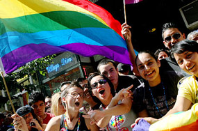 The 10 Absolute DOs and DONTs of the 2010 Pride Season