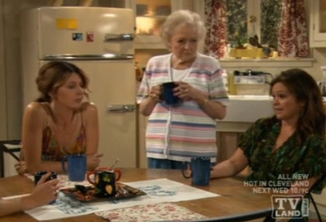 The Accidental Lesbian Flirtations of Hot In Cleveland