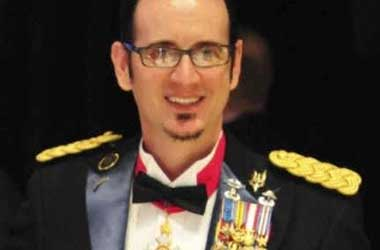 Should Michael McManus Go To Jail For Wearing Fake Army Medals To Mayor Annise Parker's Party?