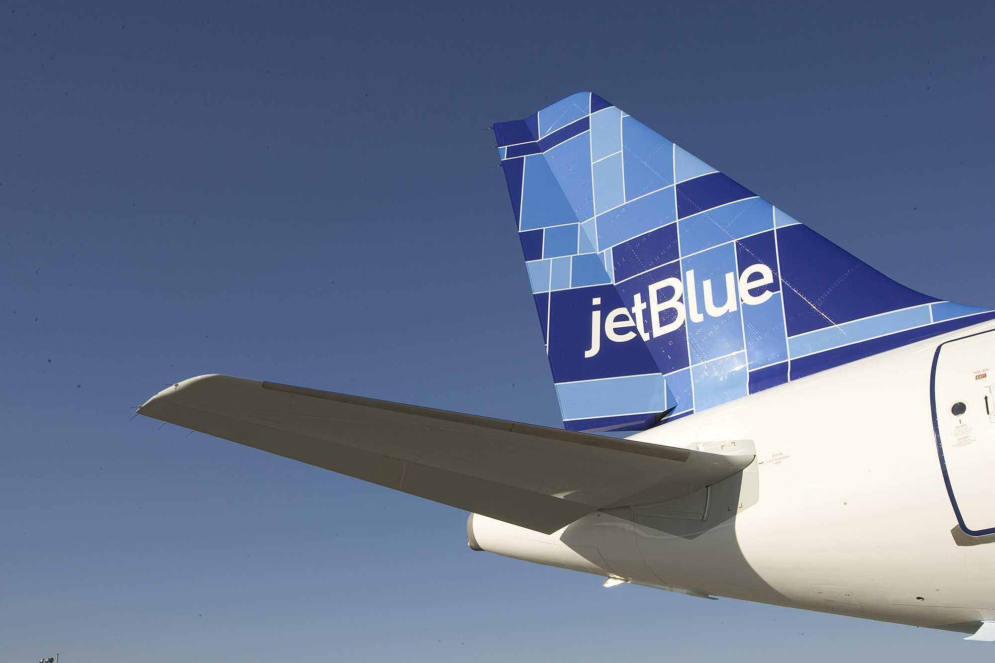 Did JetBlue Force Out 2 Gay Flight Attendants Because One Had to Take Leave To Care For The Other?