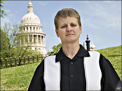 Court: Texas AG Greg Abbott Can't Stop Angelique Naylor + Sabina Daly From Divorcing In His State