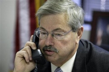 Iowa's New Gov. Terry Branstad Goes From Not Commenting On To Not Supporting Ouster Of Justices
