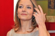Jodie Foster: Mel Gibson 'Has Troubles' But 'God, I Love That Man'