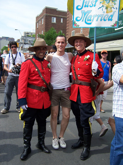 tpride-2006-mounties-frank.jpg