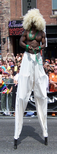 tpride-2006-stilts.jpg