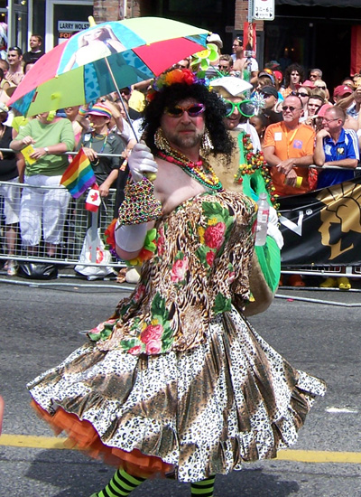 tpride-2006-umbrella-queen.jpg